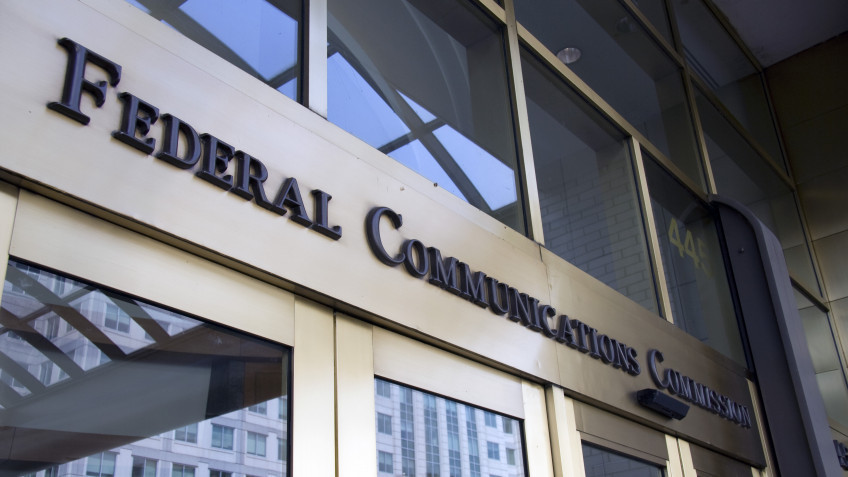 Section 230 Legal Issues: The FCC's Authority and the First Amendment