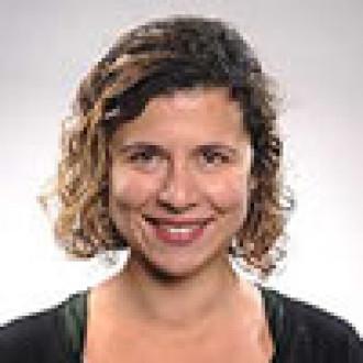 Elana Schor portrait