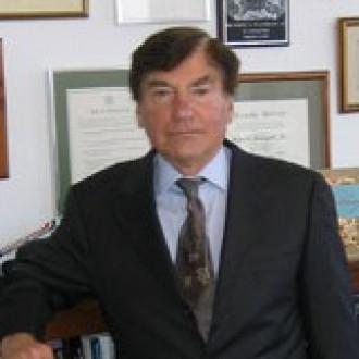 Robert L. Pfaltzgraff