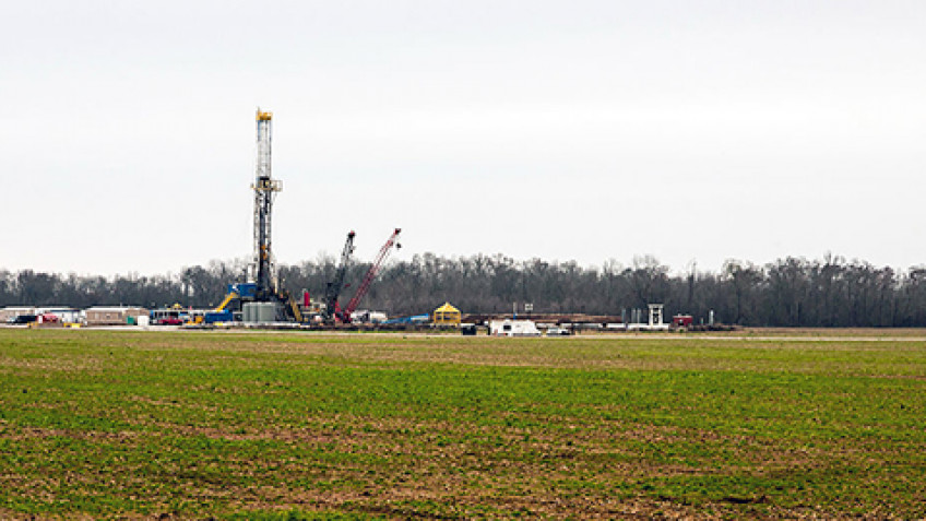 Can a federal agency regulate fracking on federal lands?